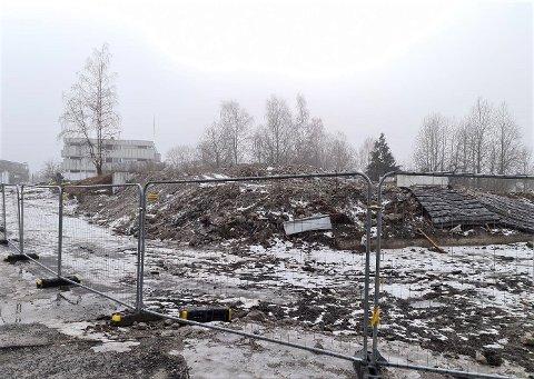 Når våren kommer, forsvinner de siste restene av Oppsalhjemmet. Da skal området åpnes opp for nærmiljøet inntil videre.