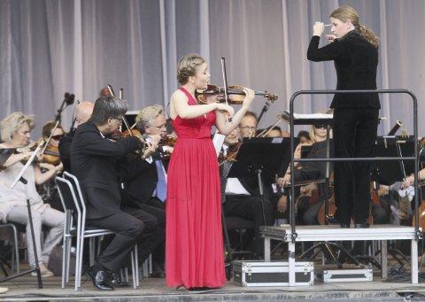 SOLIST: Det var en drøm som gikk i oppfyllelse da Oda Holt Günther fikk spille med Oslo Filharmoniske Orkester i juni i fjor. Nå har hun en ny stor opplevelse i vente.  FOTO: HENRIK AASBØ