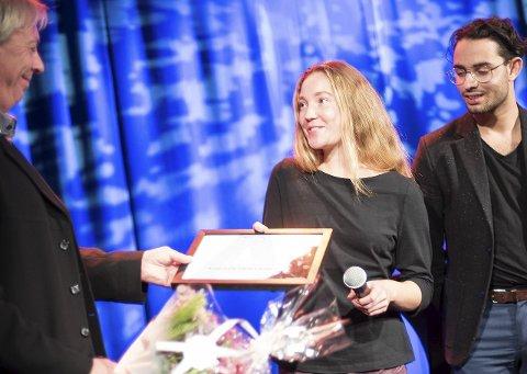Vinner: Anne Grete Vatne-Larsen fra Sandefjord fikk 1. prisen i årets Ambjørnsenpris. 2. pris gikk til Andreas Nelu Bentzrød fra Larvik.foto: Joachim hellenes