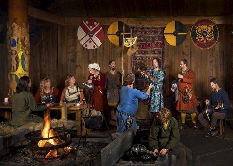 Drakter: Staselige vikingdrakter blir å se på Midgard fremover, i tillegg til mye annet fra vikingenes liv. Foto Cedric Archer