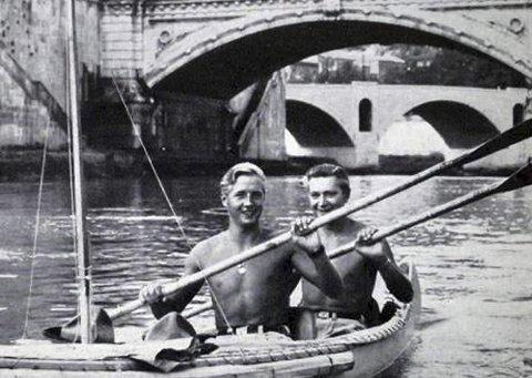 Et eventyr: Reidar Teigen og Odd Ekanger padlet fra Larvik til Kenya midt på 50-tallet. Og de filmet turen.arkivfoto