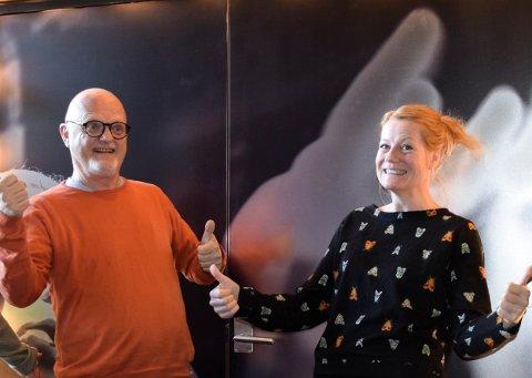UT PÅ BYEN: Kulturkontorets Arve Karlsen og Silje Strømberg vil selvfølgelig ha publikum ut på byen når det er Kulturnatt andre lørdag i november.
