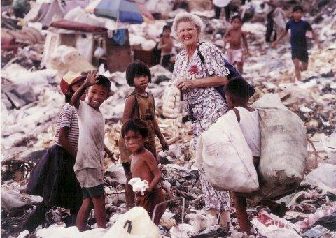 Rachel Trovi er død. Her et bilde fra Manila, der hun hjalp fattige mennesker til et verdig liv.