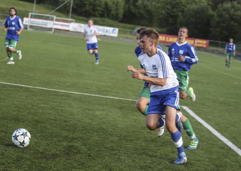 Spillende trener Kenneth Kristiansen har en tropp på 18 spillere i A-stallen i Langesund.