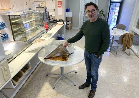 KRITISK: – Dette er vegetarianermat, sier Wagenius. Middag fra planteriket er en prøveordning i UMB. Wagenius tok dissens.