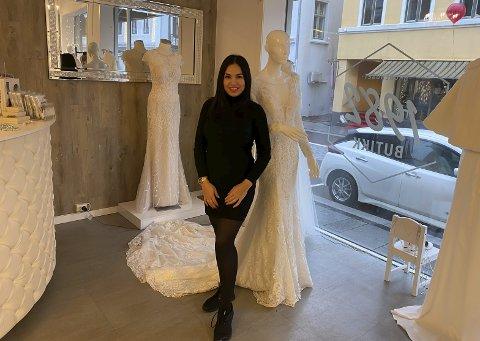 STØRRE BUTIKK: Gulnara Amanova har utvidet butikken, og opplever at kvinner strømmer til for å prøve kjoler og finpusse før bryllup.