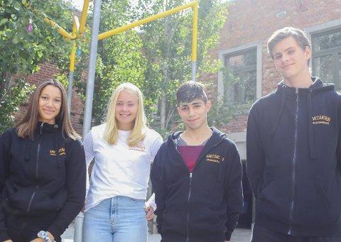 NYE FJES: Fra venstre: Isabel Aaltvedt (15), Helena Jakobsen (16), Sindre Ramslien (17), Ammar Mohamad (16).