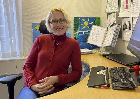 KOMMER: Nå kommer AstraZeneca-vaksinen til Porsgrunn. Lene Lindflaten ble overraska da hun fikk beskjeden fredag ettermiddag.