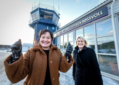 Ikke vanskelig å se at Rana Høyre-leder Anita Sollie (t.v.) er fornøyd med regjeringen. Kommunal- og moderniseringsminister Monica Mæland trekker fram infrastruktur som viktig både for innbyggere og næringslivsaktører.