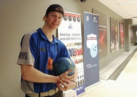 Fornøyd: Max Østbergh leverte et meget sterkt mesterskap i bowling. Til slutt ble han nummer ni. Foto: Øystein Bogen