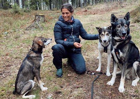 Med hund: «Funkygine» (Jørgine Massa Vasstrand) har fått en skikkelig utfordring. Nå må hun trene mye framover.