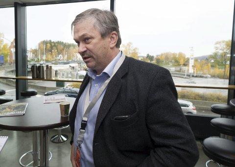 Ordfører Kjell B. Hansen (Ap) er en av politikerne som drar til Sverige for å lære om hvordan Ringerike kan lokke datagiganter hit.