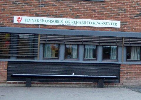 MOTSTAND: Vebjørn Stenberg ber folk møte opp i kommunestyret og markere sin motstand mot det han kaller rasering av korttidsavdelingen på JORS.