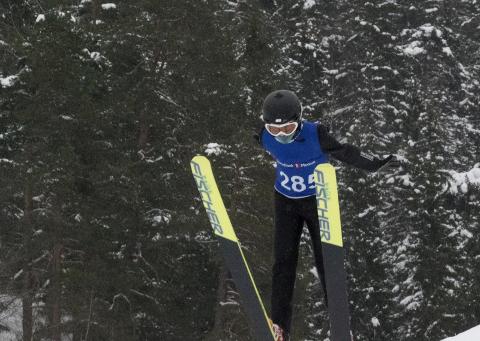 I svevet: Thorstein Johansen, Ringkollen skiklubb. Vinner gutter 12 K25.