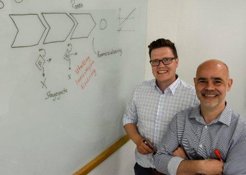 GODT EKSEMPEL: Stig-Endre Elvevoll og Tor Kristian Sørensen driver firmaet Kraftcentralen. Ifølge Steinar Aasnæss er de et eksempel på den typen nyetableringer regionen trenger flere av.