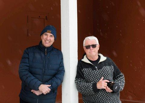 David John Smith (tv) og Ian Brodie lager en ebok av hele verdensarven (foto Ian Brodie)