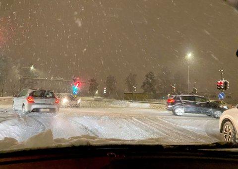 NEDBØR:. Mildvær og snø kan føre til vanskelige kjøreforhold denne uken.