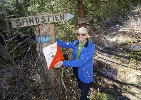 VINNER: Kjeld E. Larsen i Hurum O-lag har gått over 1000 kilometer, og stemplet seg inn på 4054 turorienteringsposter i løpet av 2018. Foto: Henning Jønholdt