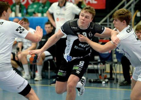 TIL VM: Simen Holand Pettersen er en del av den norske troppen som skal til håndball-VM i januar.