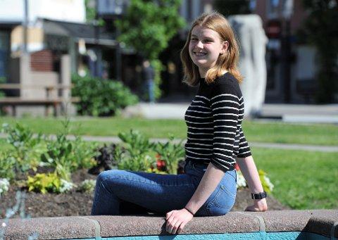 STÅR PÅ: Thea Løkebø satser beinhardt for å nå sine mål. 25.000 i Talentstipend hjelper også.
