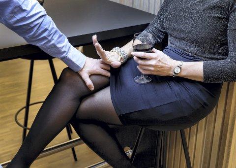 Det er mange som opplever seksuell trakassering på jobben eller i sosiale arrangementer i jobbens regi.