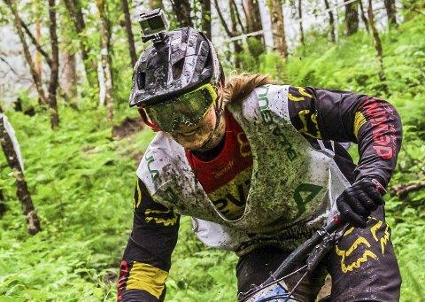 Comeback i v-cup: Brage Vestavik (17) fra Mysen var endelig tilbake i verdenscupsirkuset i downhill-sykling i helgen. Her fra Ekstremsportveko tidligere i sommer.