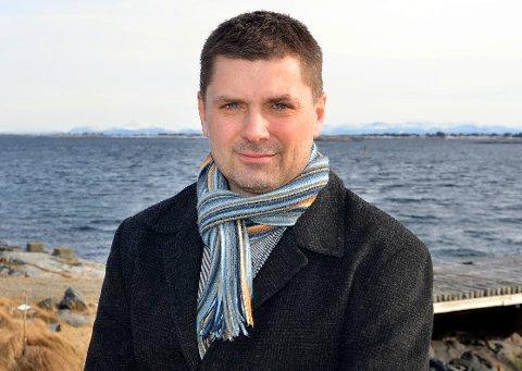 Smøla-ordfører Roger Osen mener havbruksnæringen kan takke seg selv for at de nå risikerer tung ekstra beskatning.