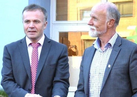 Kristiansund og ordfører Kjell Neergaard (til venstre) må se seg slått i NHOs Kommune-NM av Molde og ordfører Torgeir Dahl (til høyre).
