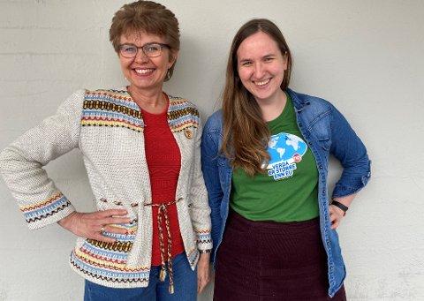 Kathrine Kleveland, leder i Nei til EU i sin mormors hjemmevevde jakke og Reidun B Heggen, med T-skjorta «Verden er større enn EU».