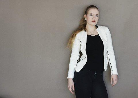 SPALTIST: Lise-Marie Sommerstad. Senterpartipolitiker, murer og spaltist i Tønsbergs Blad