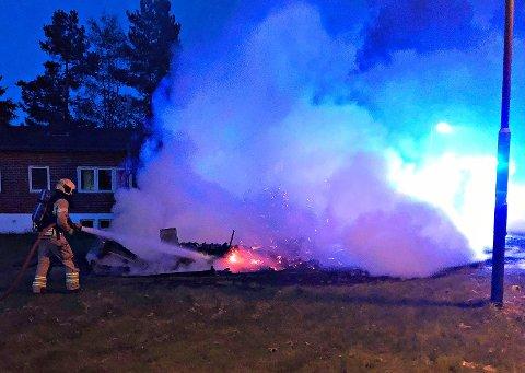 NEDBRENT: Da brannvesenet ankom var boden nærmest nedbrent.
