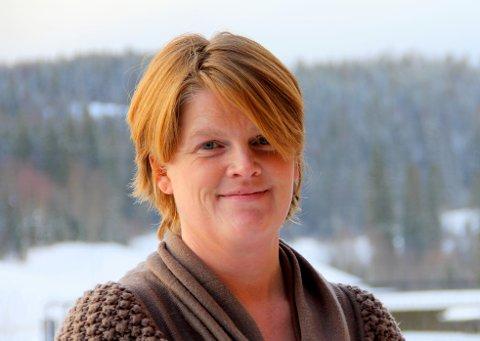 TIL POLITISK BEHANDLING: Daglig leder i Nittedal Eiendom KF, Laila Jensen, sier bakgrunnen for innstillingen er usikkerhet i markedet knyttet til det nye koronaviruset.