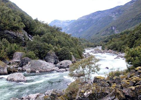 Snøvasfossan: Fiskesperra i Driva vil bli bygd i Snøvasfossan, til høyre i bildet her.Arkiv