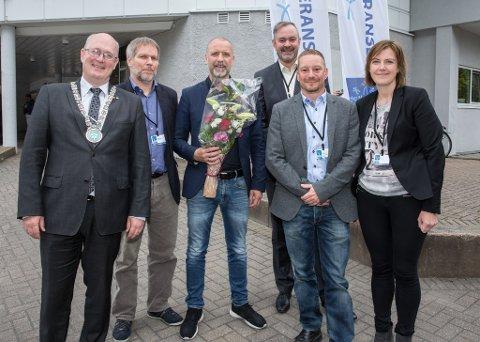 Årets vinnere: Åse Torvik, Anders Øverås, Ola Ulvund, Arild Håkonsen, Erling Melling og ordfører Ståle Refstie.