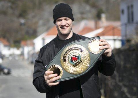TILBAKE I JUNI: Kai Robin Havnaa kommer til å gå sin neste proffkamp i juni. Her med IBO-tittelen han vant i mars.