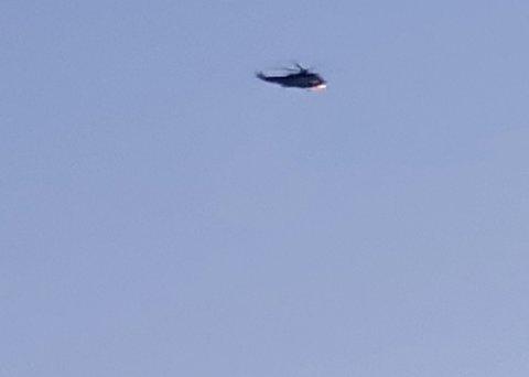 Et redningshelikopter fra 330-skvadronen på Sola deltar i letingen. Leserbilde