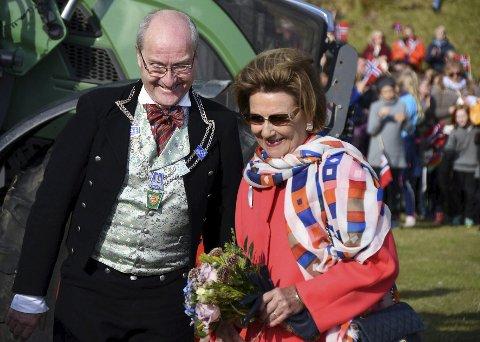 Gamle kjenninger: Ordfører Asle Schrøder og dronning Sonja har møttes ved flere anledninger og fant tydeligvis tonen.