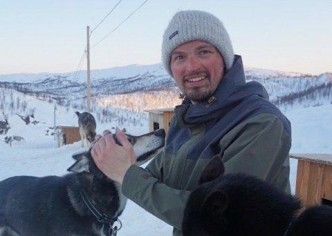 Lars Grytvik Tessem, innehaver av Saltenguidene, driver både med sommer- og vinteraktiviteter for turistene som besøker Ljøsenhammeren. Foto: Privat