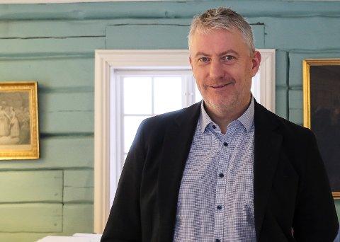 I BEVEGELSE: Som direktør for 13 museumsavdelinger og 18 besøkssteder kommer Tom Oddby til å tilbringe mye tid på farten. Målet hans er å være mye ute i felten.