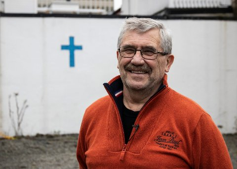 WERNER EIKELI I BRAGERNES BLÅ KORS: Gjennom ukentlig matutdeling hjelper han mange som trenger det. Gleden hos dem som får hjelp, gir han motivasjon til å bidra som frivillig.