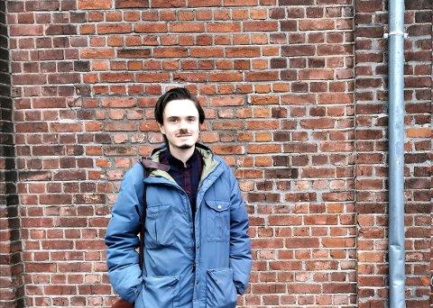 ØNSKER IKKE BARN: Herman Ekle Lund sitter i kommunestyret for Venstre og er samboer med Senterpartipolitiker Camilla Fjeld Gustavsen. Ekle Lund har bestemt seg for å ikke få barn, og det vil han ikke at noen skal legge seg opp i.