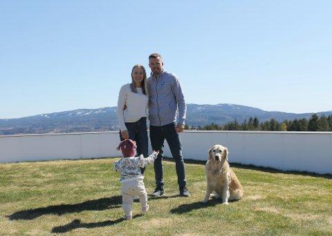 ORMÅSEN: DHK- spiller Gøran Sørheim har fått stor hjelp og støtte fra samboer Anine Brekke og datteren Amalie på veien tilbake fra skade.
