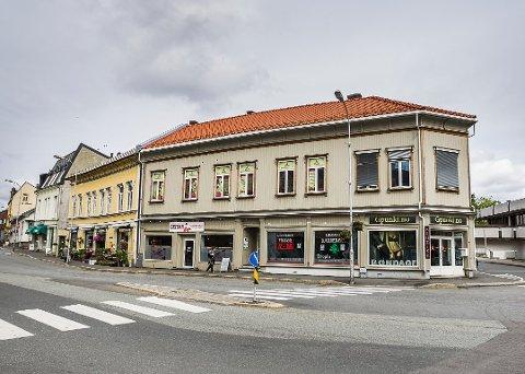 Solgt: Sentrumsgården Underhaugsgata 1 har skiftet eier to ganger på de siste fem månedene. I forrige uke var det Atle Martinsen som kjøpte og overtok den.