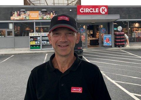 SØKER: Steinar Grønn er daglig leder på Circle K på Vinstra. Nå vil han bli kirkeverge.