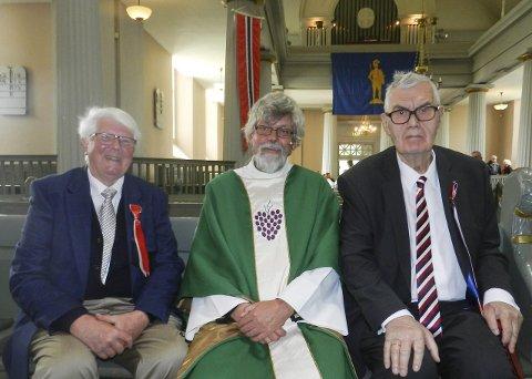 17. mai: Bjørn Andersen (t.v.) fikk Georg Apenes (t.h.) som 17. mai-taler. Sogneprest i Rokke, Halvor Gregersen, ledet festgudstjenesten.