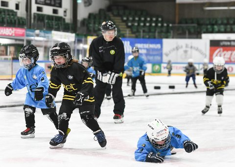 ÅPNER: Idrettsklubbene åpner igjen opp for trening for barn og unge under 16 år, men de fleste klubber lar hvert enkelt trenerteam bestemme om de vil gjennomføre.