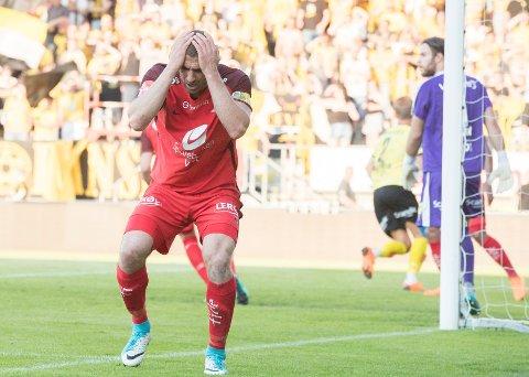 Det ble ikke mål på Branns  Azar Karadas i kampen Lillestrøm - Brann på Åråsen stadion.