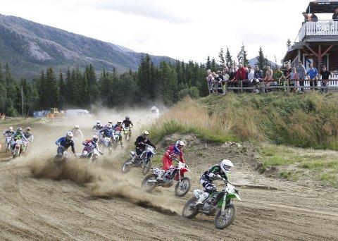 POPULÆR BANE: Det kommer over 200 kjørere til helgas runde i Midt-Norsk mesterskap i motocross i Herringen. Motorsportbanen er veldig populær blant kjørerne i Trøndelag og på Møre. 40 klubber er representert. FOTO: PER VIKAN