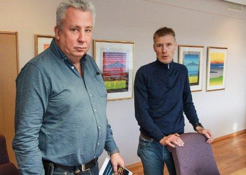 Eivind Mikalsen  (th) har beordret hjemmekontor for alle ansatte som ikke trengs på jobb. Her sammen med forretningsutvikler Frode Valla.