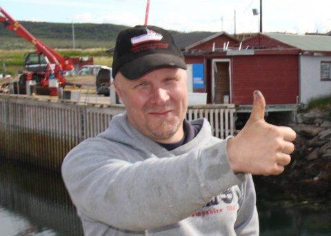 TOMMEL OPP: Edgar Olsen er veldig fornøyd med at Sametingsrådet innvilget penger til sløyelinjen. Foto: Stian Hansen